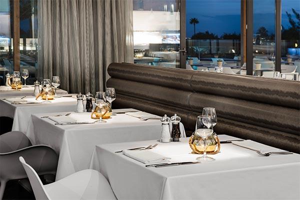 Detalle mesas restaurante El Mirador