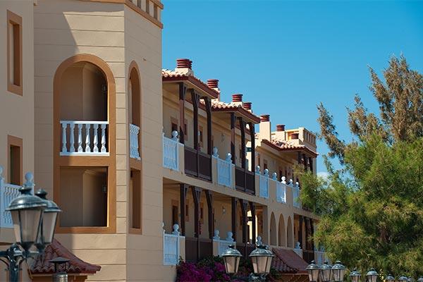 Detalle fachada del hotel