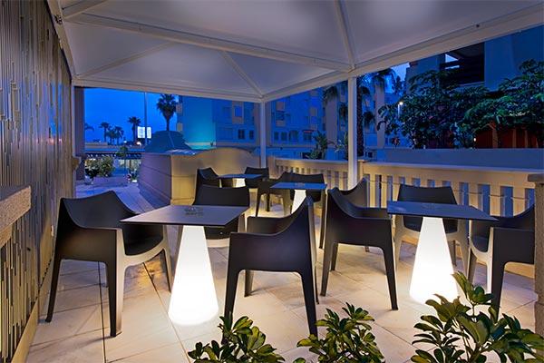 Acogedora Terraza al Aire Libre |  Hotel Elba Motril