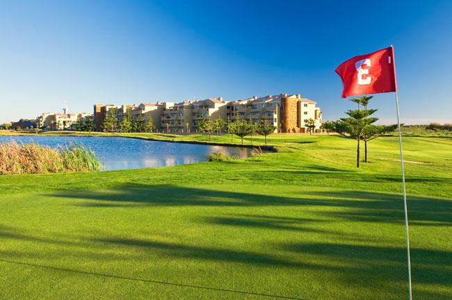 Practica golf en Hoteles Elba