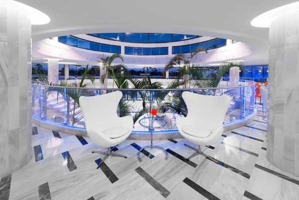 Zona de descanso hall hotel Elba Lanzarote