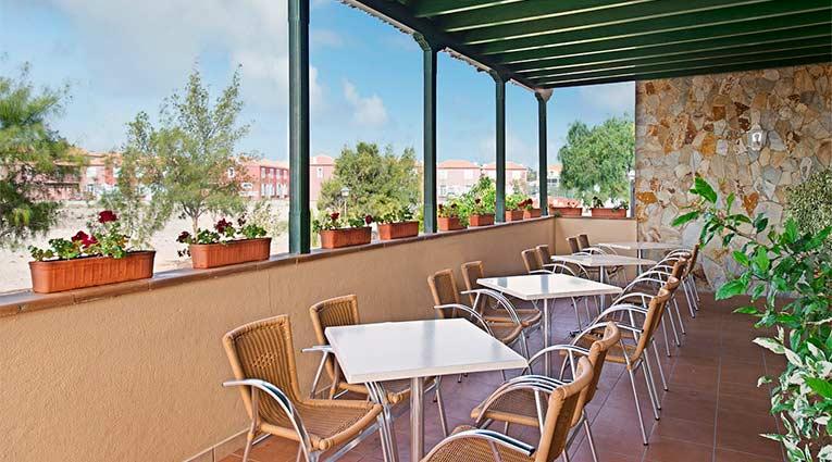Terraza del restaurante del hotel