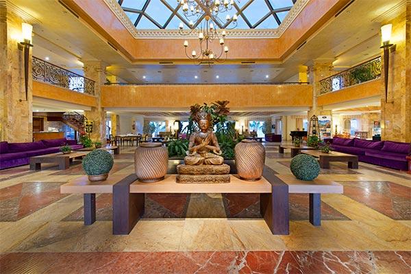 Recepción del Elba Estepona Gran Hotel & Thalasso Spa