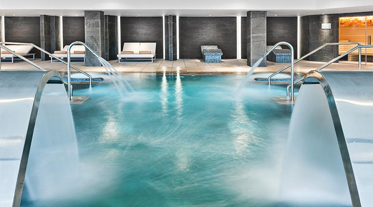 Pool area Elba Thalasso