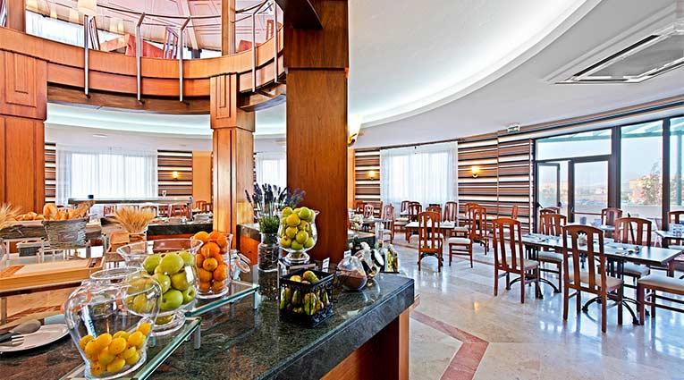 Vista del restaurante buffet