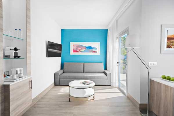 Zona de estar habitación Junio Suite Confort