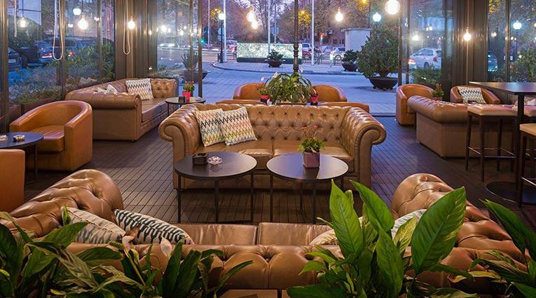Sofás en nuestra terraza lounge bar