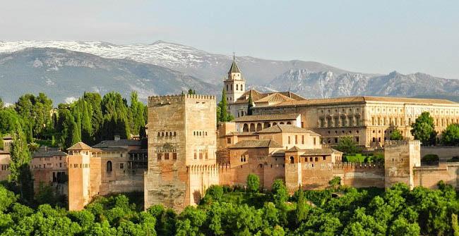 Cinco planes para una escapada otoñal a Granada