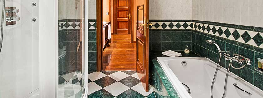 Baño Suite vista Golf en Elba Palace Golf