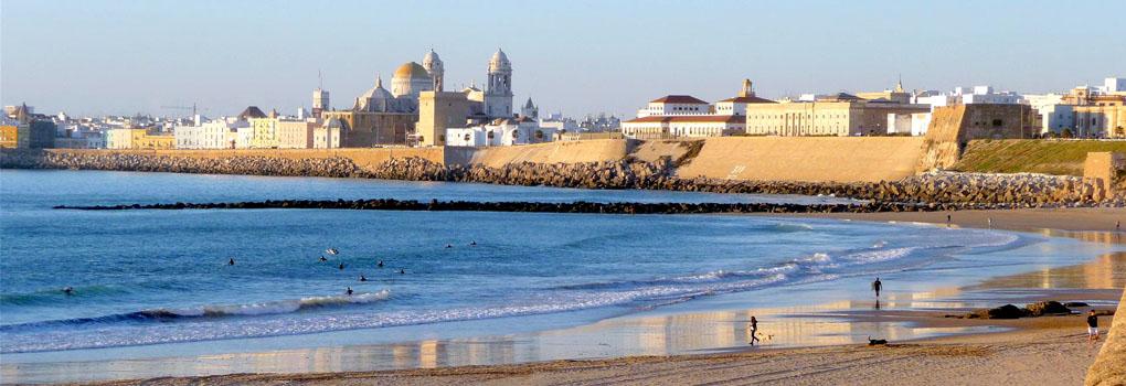 Vista de Cádiz desde la playa