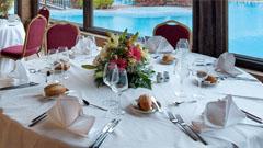Detalle montaje mesa para bodas