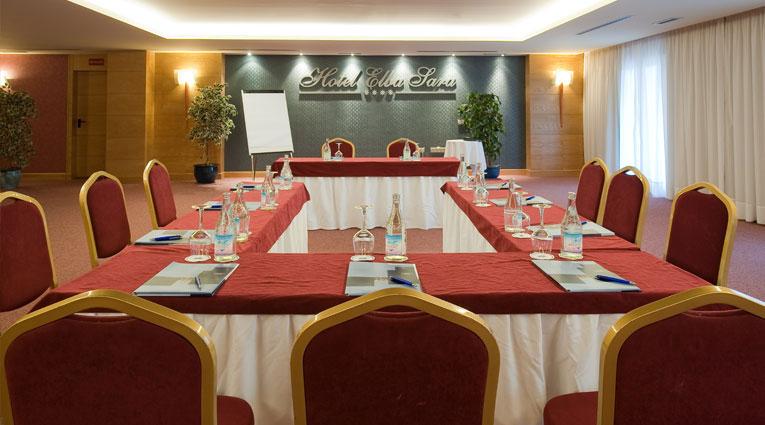 """Mesa de reuniones configuración """"U"""""""