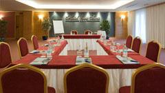 Mesa de reuniones centro de convenciones