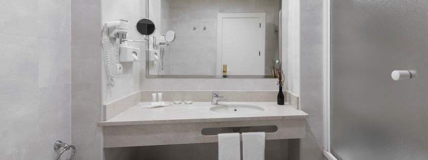 Vista labavo baño Habitación Doble Elba | Hotel Elba Madrid Alcalá