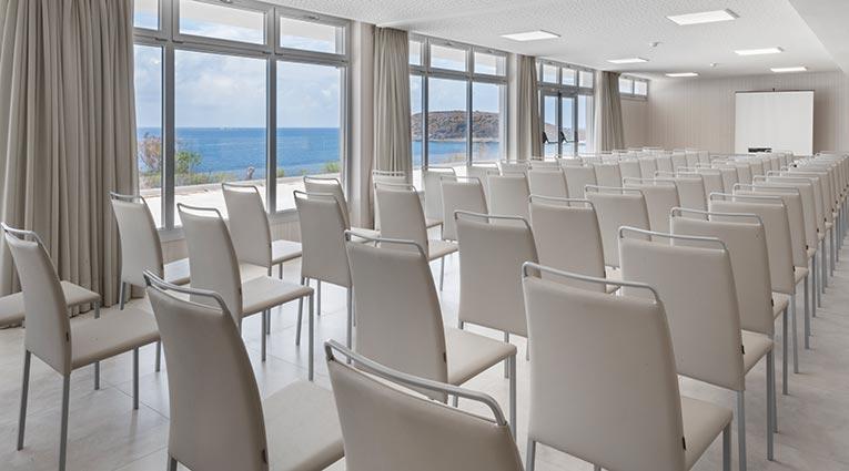 Vistas al mar sala de reuniones Elba Mallorca