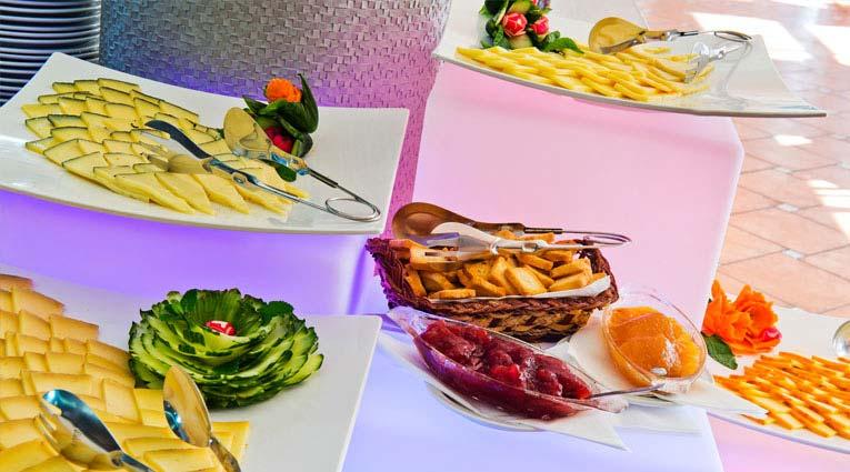 Bodegón de quesos buffet restaurante