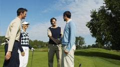 Grupo de jugadores de golf
