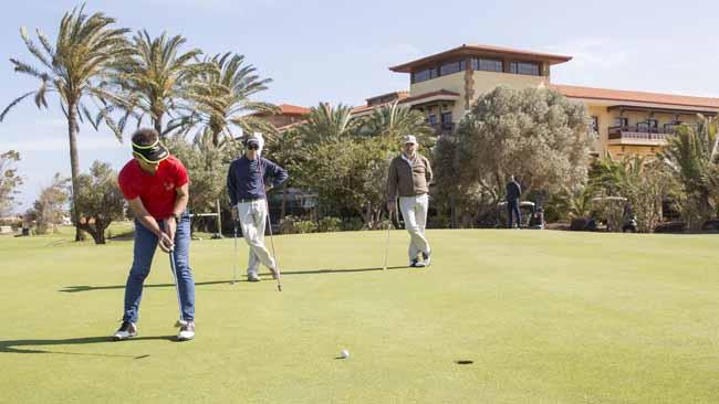 Practica golf en Fuerteventura