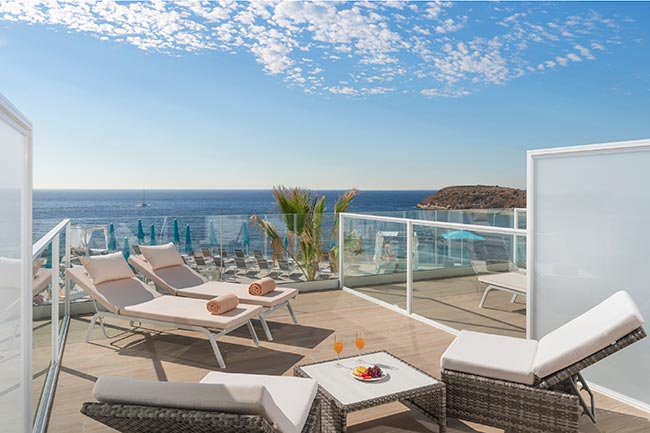 Una estancia con terraza porque te los has ganado
