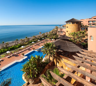 A photo of the hotel Elba Estepona facing the sea