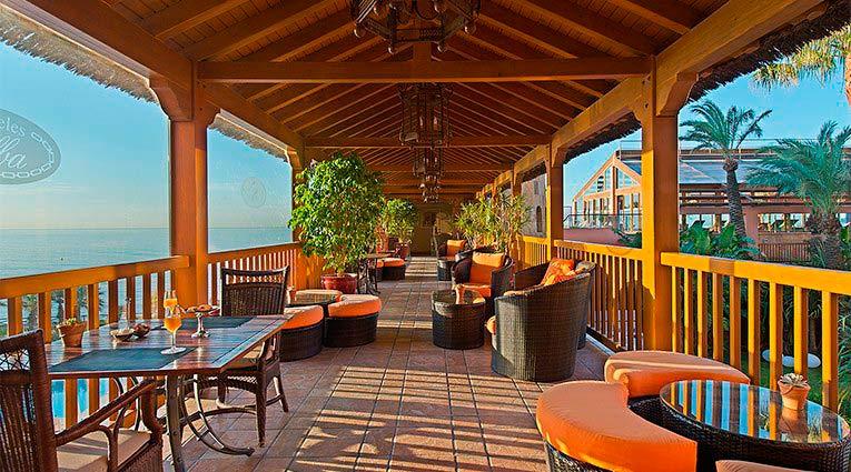Terraza con preciosas vistas del Hotel Elba Estepona