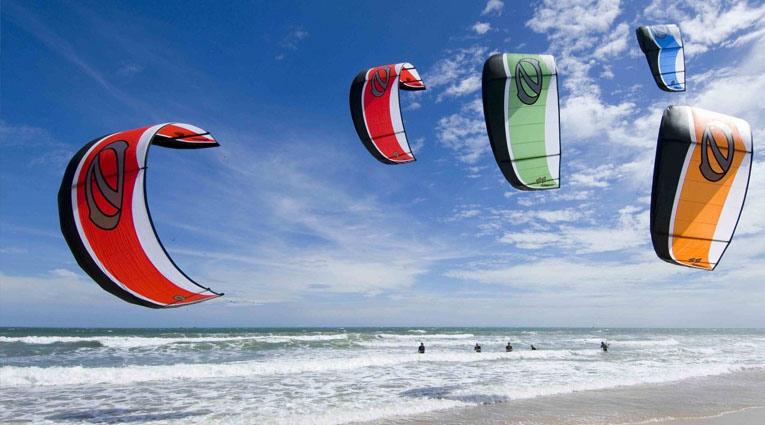 Surf con parapente playa fuerteventura