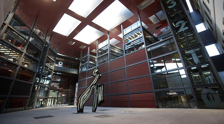 Museo Nacional Centro de Arte Reina Sofía. Edificio Nouvel. Patio central. Fotografía: Joaquín Cortés/Román Lores