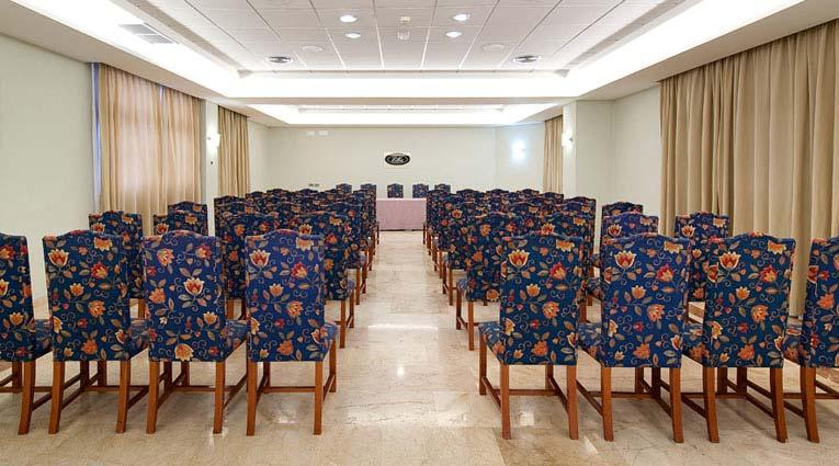 Vista general sala de convenciones