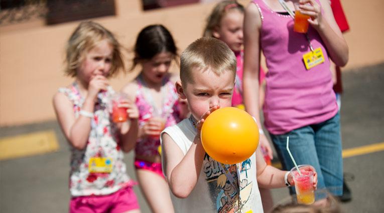 Niños jugando Elba Sara