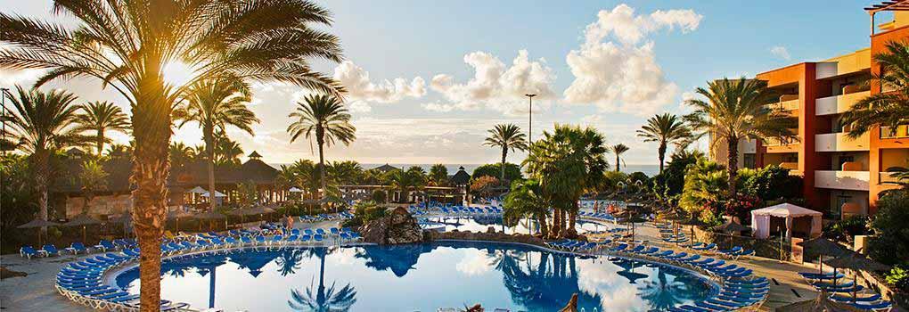 Außenschwimmbäder für Erwachsene und Kinder in Hotel Elba Carlota
