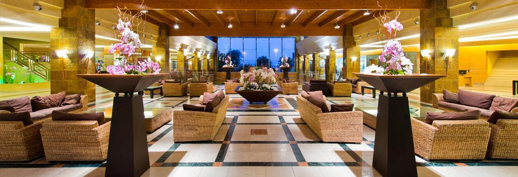 Lobby del hotel Elba Sara