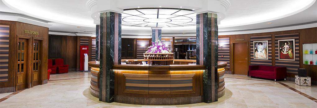 Vista de la recepción del hotel