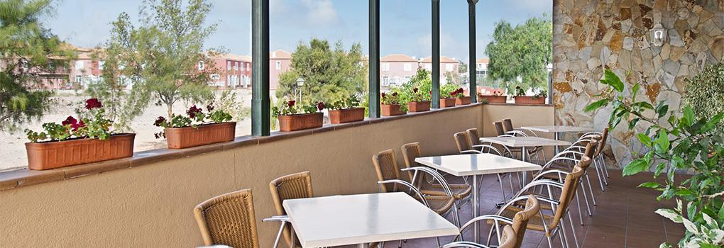 Terraza del restaurante buffet del hotel Elba Lucia