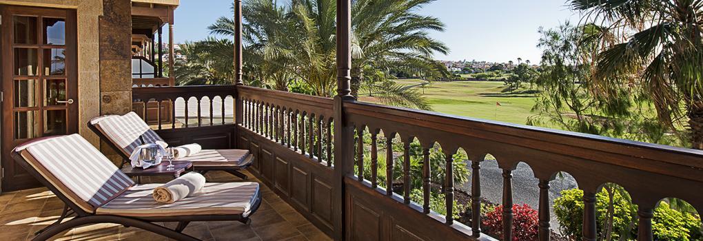 Terraza habitación con vistas al campo de golf