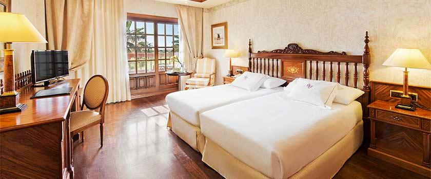 Canary Resident Offer Palace