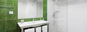 Cómodo baño habitación doble vista Mar en Elba Castillo San Jorge Antigua