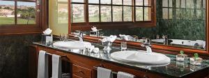 Baño de la Suite Pentahouse - Hotel Elba Palace Golf & Vital