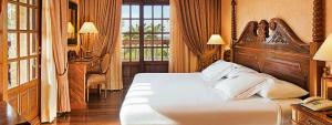 Amplia y elegante habitación Suite vista Golf en Elba Palace Golf