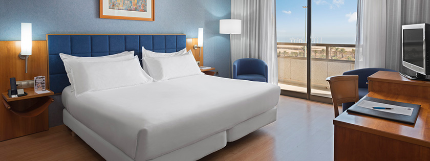 Vista de la Suite Hotel Elba Vecindario