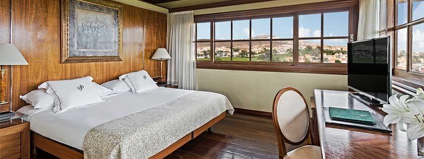 Amplia Suite con cama King Size en el Hotel Elba Palace